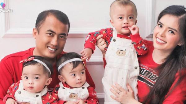 Một lần sinh 3 đủ nếp lẫn tẻ, mẹ Sài Gòn toát mồ hôi huy động cả nhà ra tay