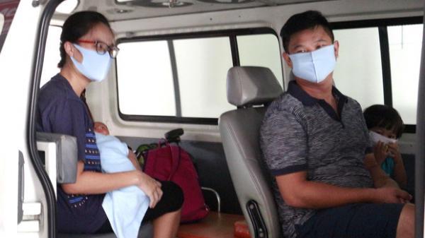 """Sản phụ Sài Gòn từ vùng dịch sau cấp cứu """"mẹ tròn con vuông"""" được xuất viện và lại trở về khu cách ly tập trung"""