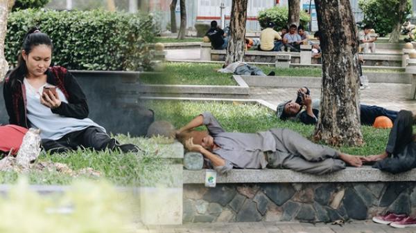 Trời nóng hừng hực 37 độ C, người Sài Gòn ra công viên nằm ngủ la liệt