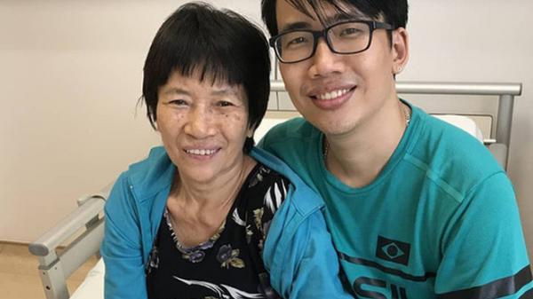 """Chạy chữa bệnh ung thư cho mẹ hơn 3 năm hết gần 4 tỉ đồng, chàng trai Sài Gòn muốn """"bán thân"""" để tiếp tục cùng mẹ trong hành trình chiến đấu với tử thần!"""