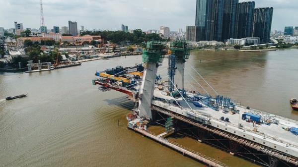 Chùm ảnh cầu Thủ Thiêm 2: Cây cầu dây văng hiện đại nối quận 1 với khu đô thị mới quận 2 đang gấp rút hoàn thiện