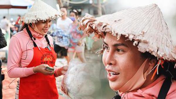 Cát Thy - Nhờ cái miệng quá duyên mà trở thành 'Diva' với hàng bánh tráng trộn nổi nhất Sài Gòn, mỗi ngày có hàng trăm người đến tìm để quay hình, chụp ảnh