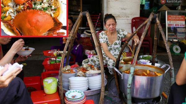 Quán bánh canh cua vỉa hè ngon nức tiếng Sài Gòn, bát đắt nhất lên đến 200.000 đồng