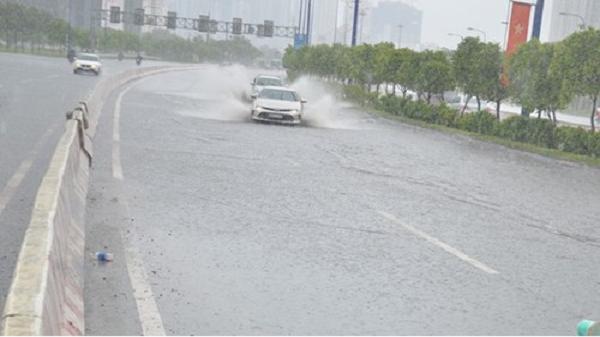 TP. Hồ Chí Minh lại mưa từ trưa đến tối, nhiều nơi ngập sâu