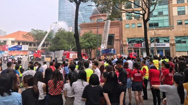 Khách quốc tế trầm trồ trước cuộc diễn tập chữa cháy ở TPHCM