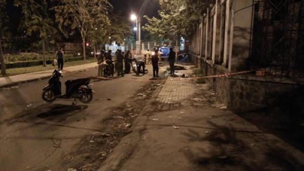 TP HCM: Hai thanh niên chết bất thường trước cổng trường học
