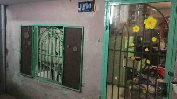 TP. HCM: Con trai khóc ngất khi phát hiện cha tử vong trong tư thế treo cổ tại nhà