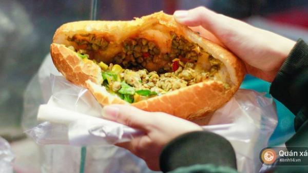 Bánh mì hến - món mới cực lạ đang nổi lên ở Sài Gòn