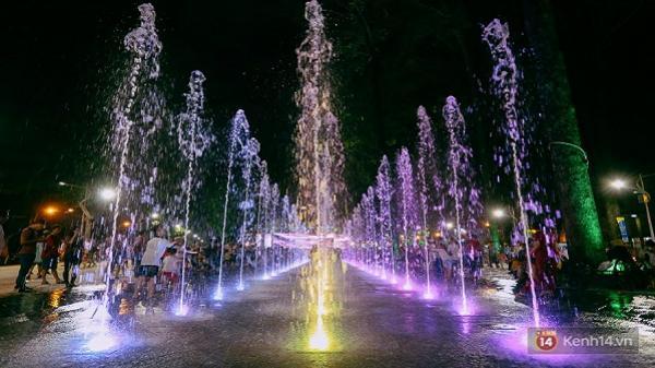 """Công viên Văn Lang ở Sài Gòn """"lột xác"""", trở thành quảng trường nhạc nước lung linh như phố đi bộ Nguyễn Huệ"""