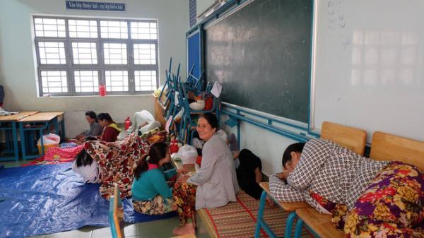 Bão Tembin: Sơ tán hàng trăm hộ dân Cần Giờ đến trường học để trú bão
