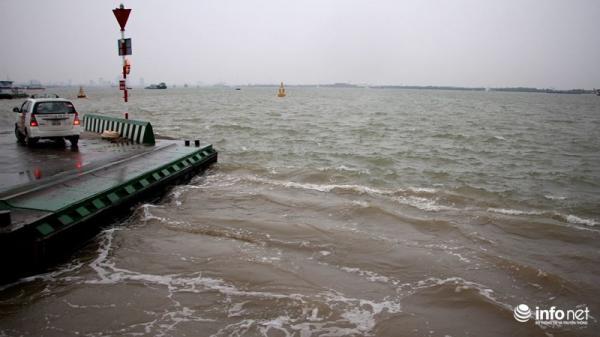 TP.HCM: Tàu cảnh sát biển, kiểm ngư vào trú trong sông Soài Rạp
