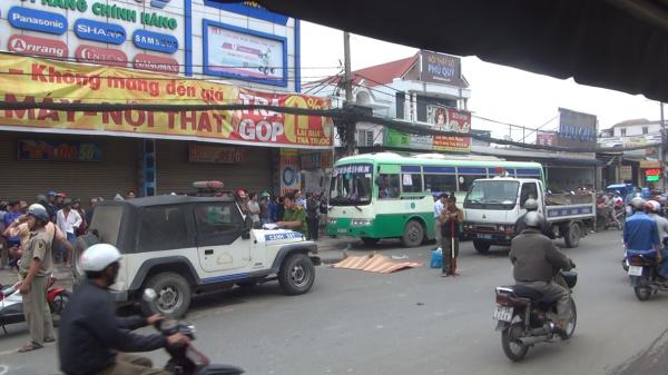 TP.HCM: Đang bốc vác thuê, người đàn ông bị nam thanh niên trẻ phóng xe bạt mạng tông chết