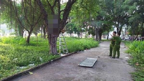Điều tra nguyên nhân người đàn ông chết trong tư thế treo cổ ở công viên