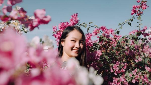Sài Gòn cũng có dàn hoa giấy cực rực rỡ cho hội sống ảo diễn sâu