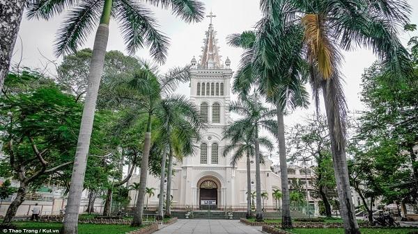 Điểm danh 8 công trình kiến trúc đầu tiên của Sài Gòn