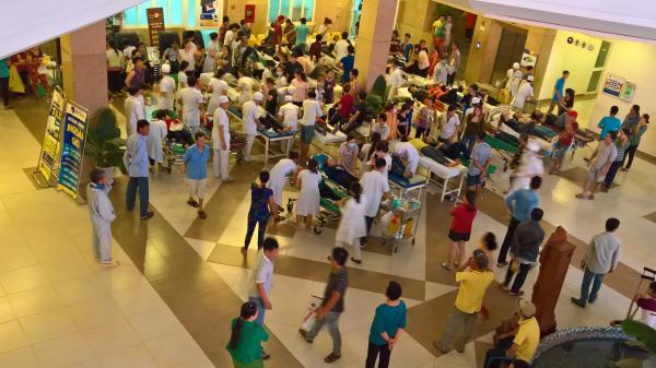 TP.HCM: Gần 100 công nhân nhập viện vì ngộ độc thực phẩm