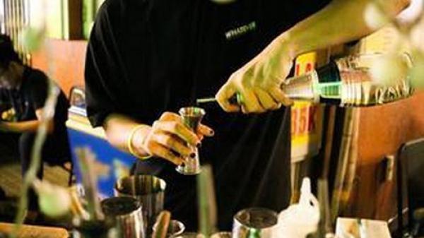 Vì sao TP.HCM chỉ thí điểm bán đồ uống có cồn ở 2 địa bàn?
