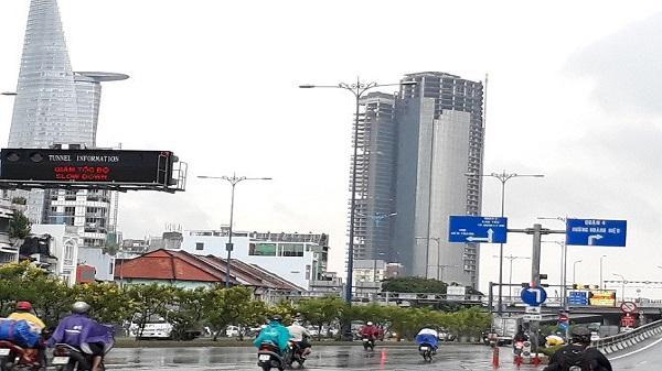 Chủ tịch TP. HCM chỉ mặt 3 dự án vị trí 'vàng' làm xấu diện mạo Thành phố