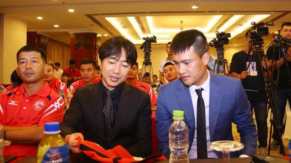 """Được Công Vinh lo """"tận răng"""",HLV Miura quyết xây """"vương triều"""" tại V.League"""
