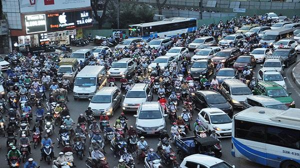Kẹt cứng ở vòng xoay Nguyễn Thái Sơn – Nguyễn Kiệm