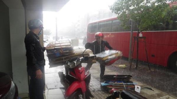 Giữa mùa khô, Sài Gòn liên tiếp có mưa lớn