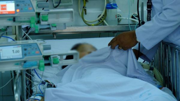 Nữ sinh nghi bị ngộ độc trà sữa nhập viện ở Sài Gòn, bác sĩ thông tin bất ngờ