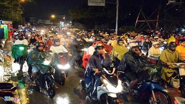Sài Gòn có thể mưa to và dông lốc giờ tan tầm