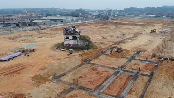 Hai căn nhà 'cố thủ' giữa dự án Bến xe Miền Đông mới