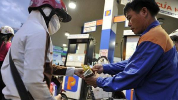 Xăng, dầu đồng loạt tăng giá từ chiều nay