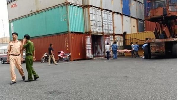 Tài xế bị thùng container đè chết ở Sài Gòn