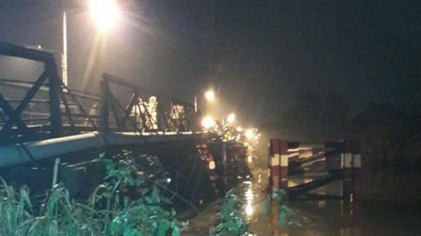 Xác định danh tính tài xế xe tải bị rơi xuống sông trong vụ sập cầu Long Kiển ở Sài Gòn