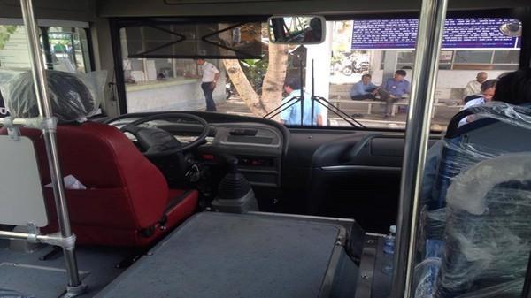Thay mới xe buýt số 22 sau khi học sinh chê trước Bí thư Thăng