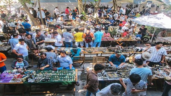 5 phố đồ cũ nên ghé đến ở Sài Gòn