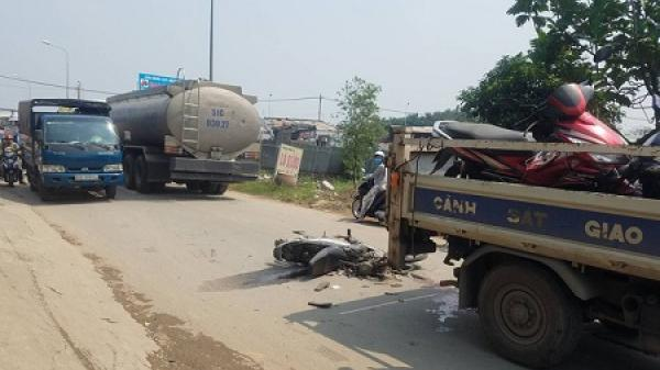 TP.HCM: Xe máy bị xe bồn cán nát, nữ sinh 18 tuổi tử vong thương tâm