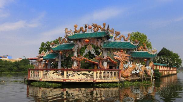 Ngôi miếu hơn 300 năm giữa sông ở Sài Gòn những ngày cận Tết