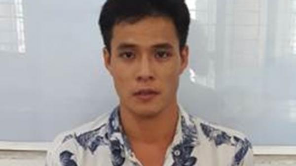 TP. HCM: Thanh niên 9X đang ngồi uống cà phê với bạn gái bất ngờ bị công an ập đến… bắt