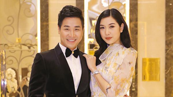 Hậu chia tay bạn trai, Á hậu Thúy Vân tình tứ cùng Nguyên Khang đi chấm thi sắc đẹp