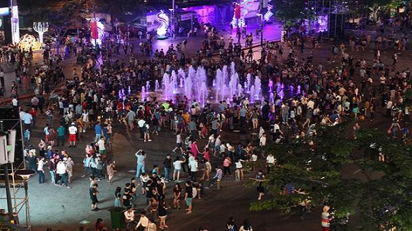 Giá đất ở phố đi bộ Nguyễn Huệ chưa đến 200 triệu đồng/m2