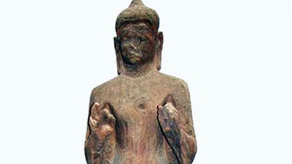 Tượng Phật gỗ 1.500 tuổi 'mắt nhắm mắt mở' ở Sài Gòn
