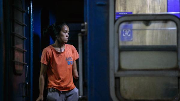 Mảnh đời người phụ nữ bị tàu hỏa cán cụt tay ở ga Sài Gòn