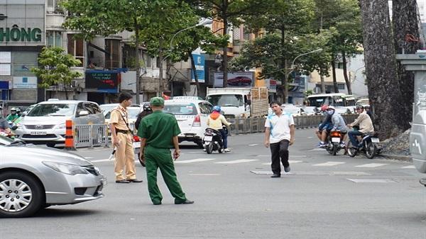 Nam thanh niên gây náo loạn phố Sài Gòn hơn 2 giờ