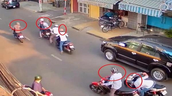 Băng nhóm dàn cảnh đánh người đi đường ở Sài Gòn để cướp