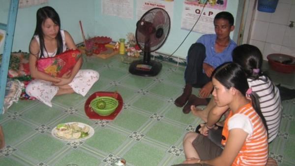 Nhọc nhằn đời công nhân ở Sài Gòn: 'Không tiền, không tình, không vui chơi giải trí'