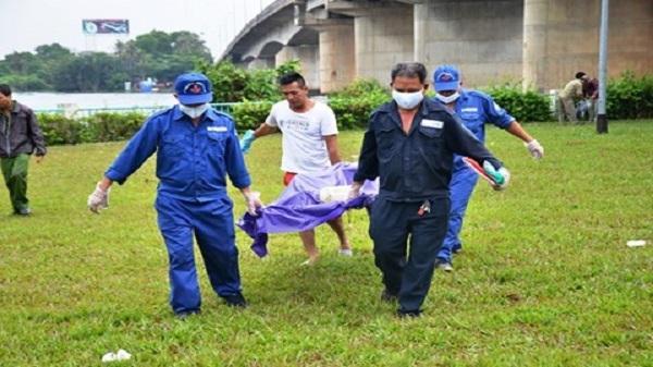 Đi câu cá tá hỏa phát hiện thi thể người đàn ông trôi sông
