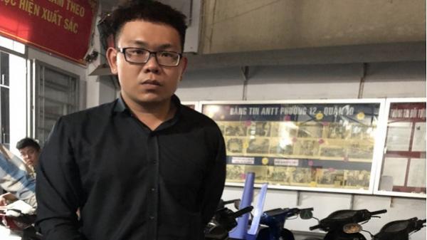 Lòng tham của nam quản lý trong trung tâm thương mại ở Sài Gòn