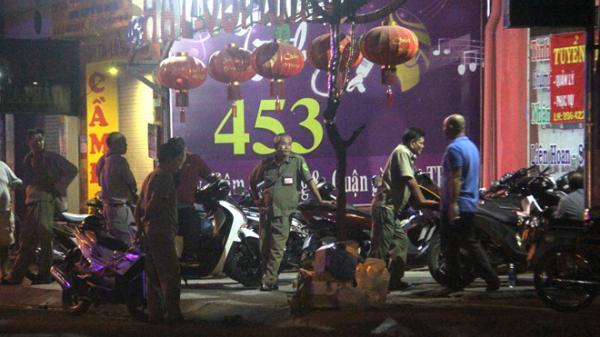 Thanh niên 30 tuổi bị đâm chết khi mời bia trong phòng trà ở Sài Gòn