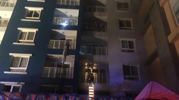 Nóng: Cháy lớn ở chung cư Carina Plaza, ít nhất 13 người chết, 14 người bị thương