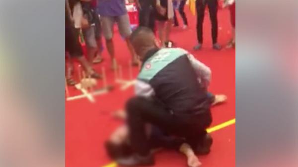 Nam thanh niên bất ngờ nhảy lầu tự tử ngay trong khu vui chơi trẻ em ở AEON MALL Bình Tân