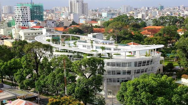 Nhà thiếu nhi hình con thuyền ở Sài Gòn