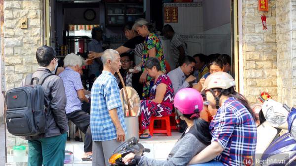 Đây đích thị là hàng bánh canh bán sướng nhất Sài Gòn: mỗi ngày chỉ cần bán 1 tiếng là hết sạch